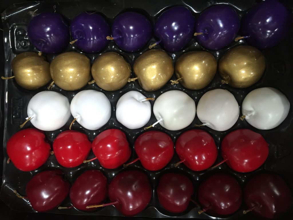 Dekoäpfel in verschiedenen Farben