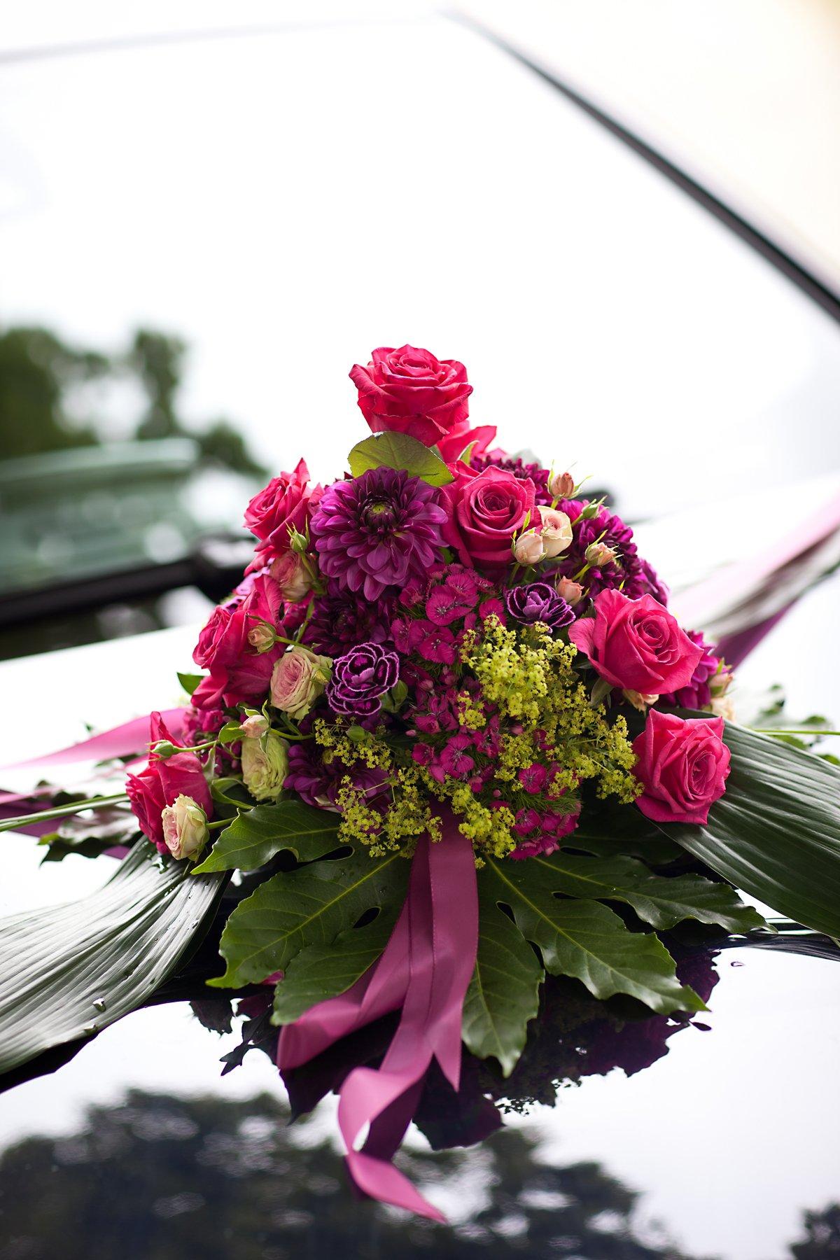 Dekoration Mit Hochzeitsblumen Hochzeit Blumen Rosen