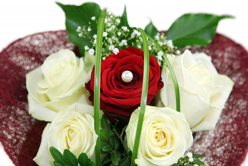 edelrosen ein herz aus edelrosen online kaufen bestellen verschicken versenden rosenbote. Black Bedroom Furniture Sets. Home Design Ideas